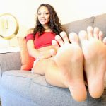 Sexy Foot Tease with Goddess Honey