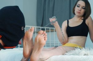 Bad New Years day for collector – Part 2. Complete conquest (foot + foot worship)