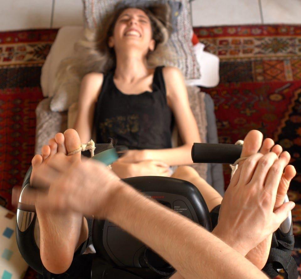 Tassou Discovers Tickling !