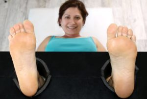 After 10 Years Isabelle Is Back With Her Ultra Ticklish Soles