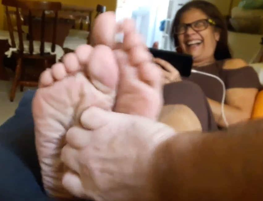 Ticklish Alessandra in Suck, Bite Tickling Soles!